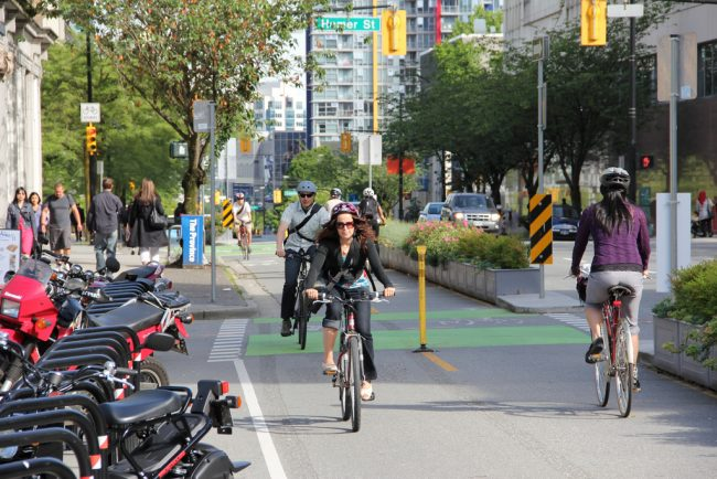 Some tips to cycle safely in the city