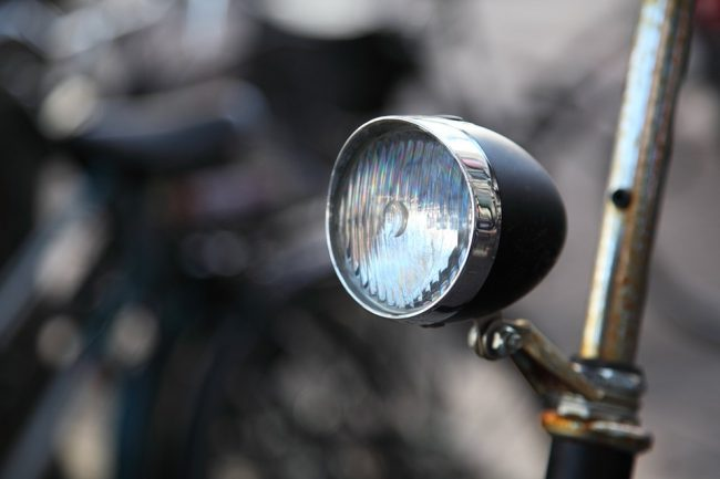 Bicycle lights: types and models