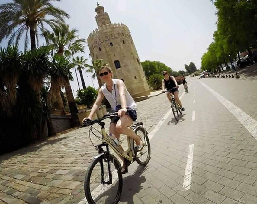 Massarosa and Seville: the municipality encourages pedaling