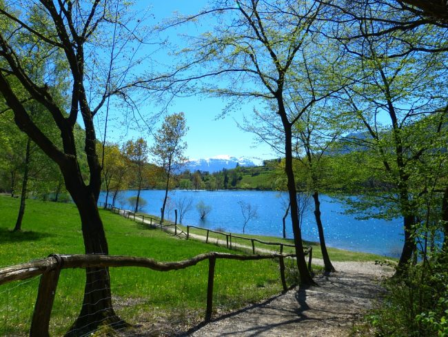 Discovering Lake Tenno on mountain bike