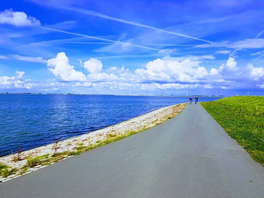 Cycling below sea level in the Netherlands: LF9 – NAP Route