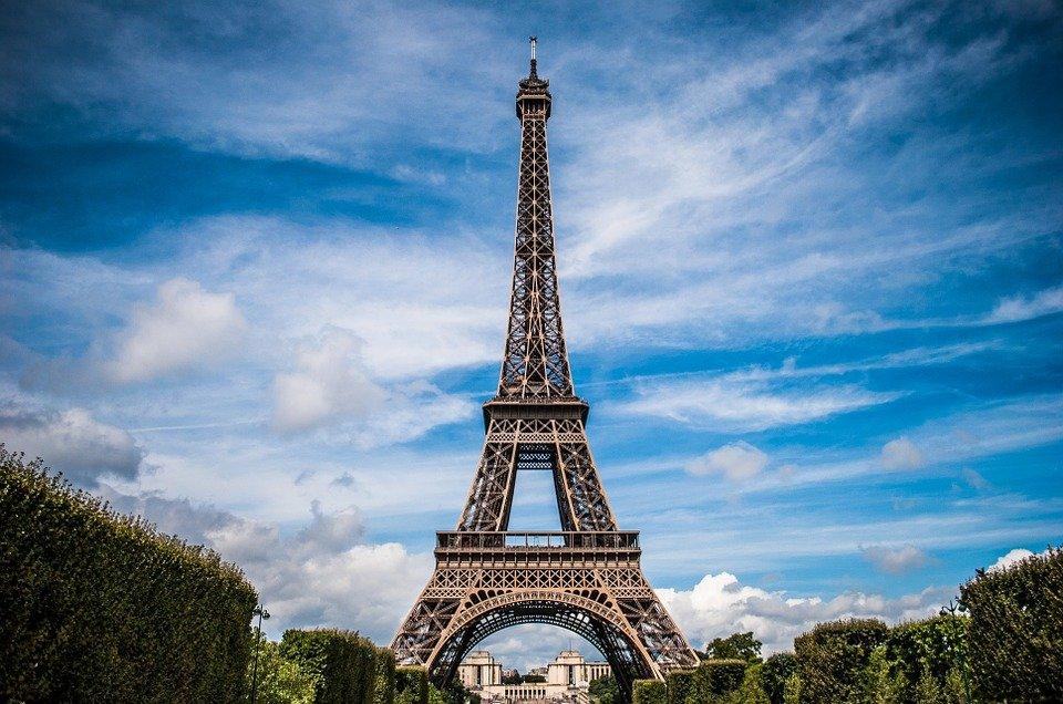 Exploring Paris by bike